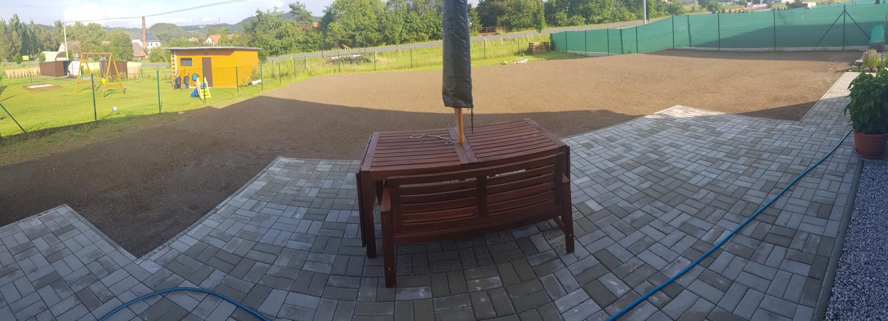 úprava terénu a terasa